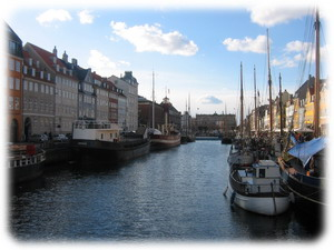 Живописная гавань в центре города